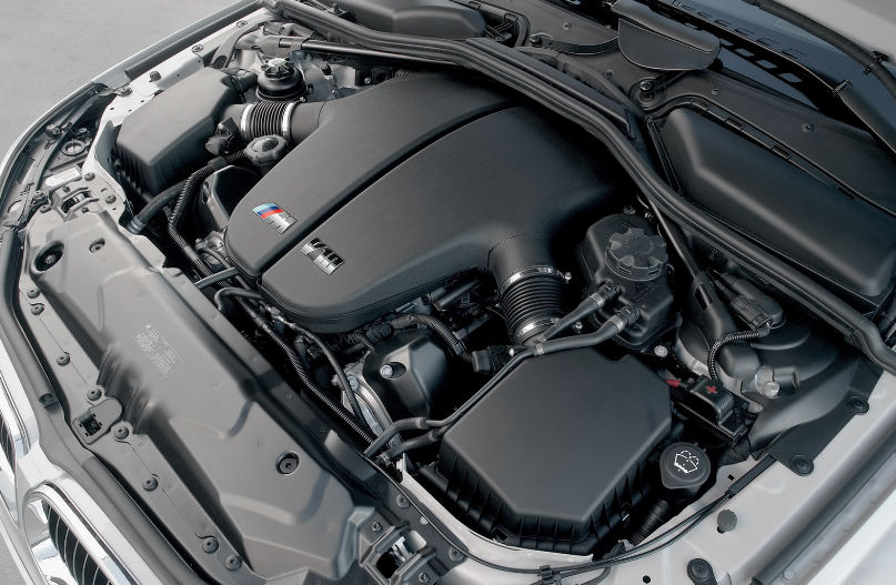 Reasons You Should Keep Your Engine Bay Clean