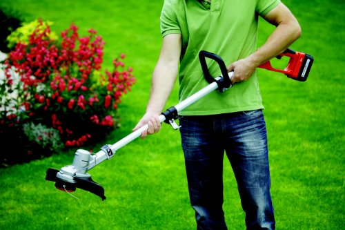 Replace Yard Trimmer Strings Like a Pro